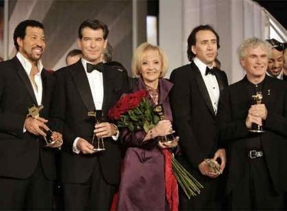 Nicolas Cage y Pierce Brosnan reciben los 'Cámara de Oro' a pocos días de la Berlinale