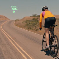 Black Mirror ya es real: las lentillas de realidad aumentada podrían revolucionar el mundo de la moto viendo el GPS en el ojo