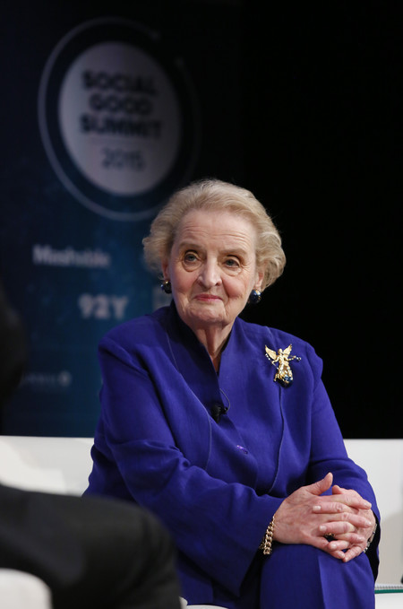 mujeres contra trump madeleine albright