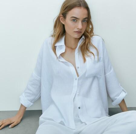 Siete camisas de mujer de Massimo Dutti que pegan con todo el armario tanto para crear un look de oficina como de fin de semana