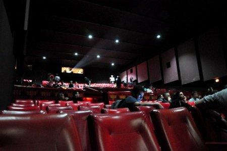 Anti-piratería en las salas de cine: una herramienta de espionaje y marketing pirata