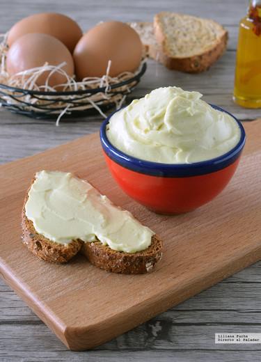 Cómo hacer mayonesa casera con clara de huevo. Receta de aprovechamiento exprés