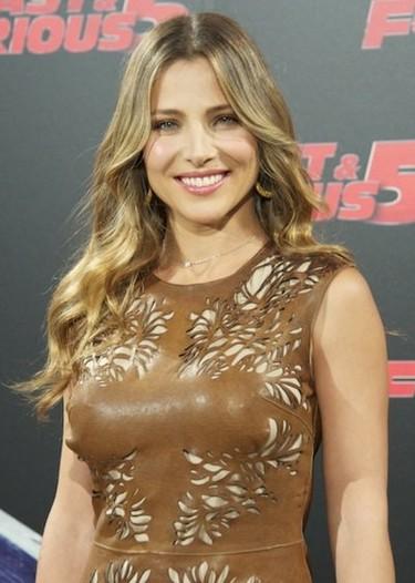 Elsa Pataky se enfunda en un vestido de cuero para el estreno de Fast Five en Madrid