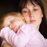El trabajo invisible de las madres: el que nadie ve, pocos valoran y tanto nos agota
