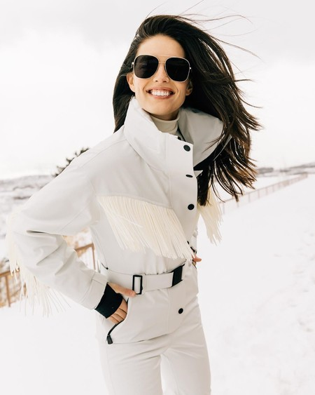 Kylie Jenner Snow Moncler 06