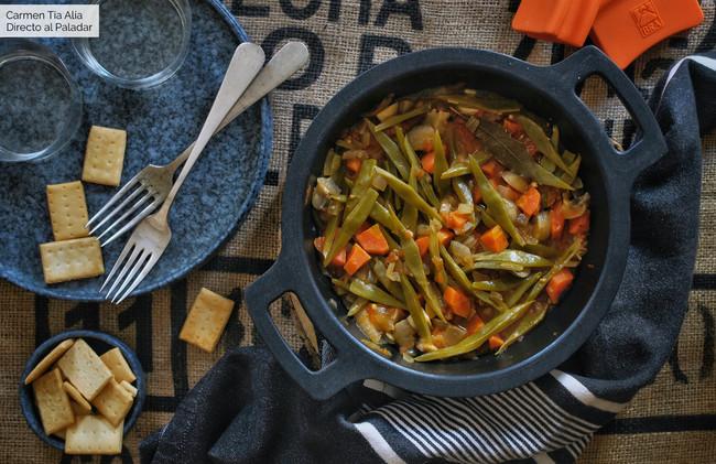 Verduras estofadas sin grasas, la receta de dieta más sencilla para una cena (o comida) ligera