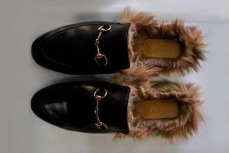 Los zapatos peludos de Gucci se están convirtiendo en un auténtico boom en  las redes sociales ccc0a5a76ac