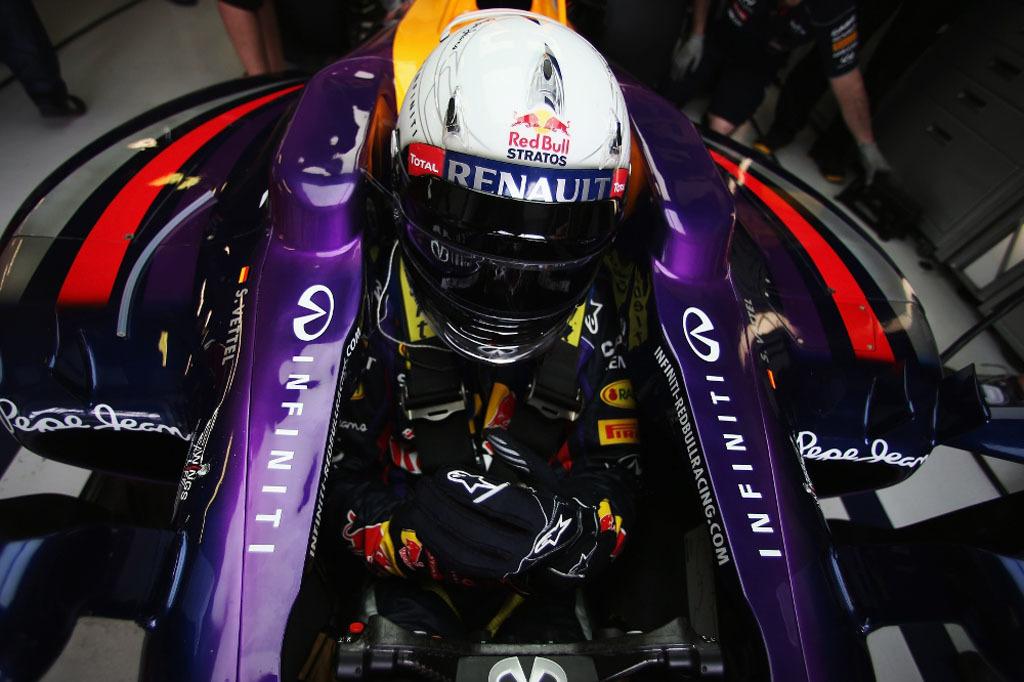 Foto de Sebastian Vettel - Red Bull Stratos (16/16)