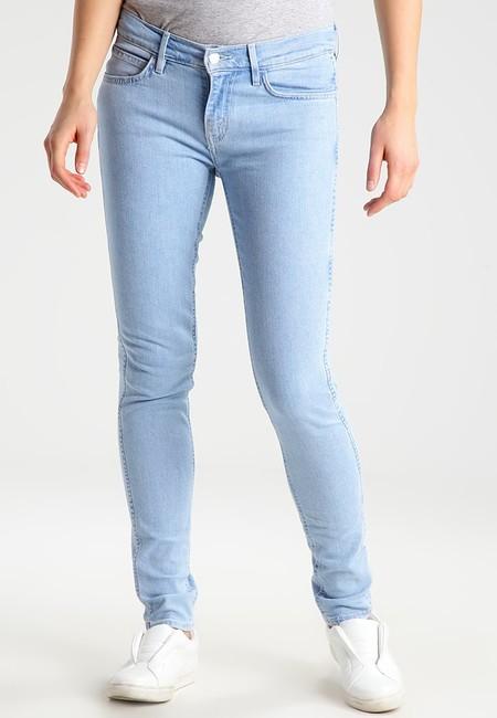 50% de descuento en los  pantalones vaqueros Levi's Lne 8 Mid skinny 18: ahora cuestan 34,95 euros en Zalando