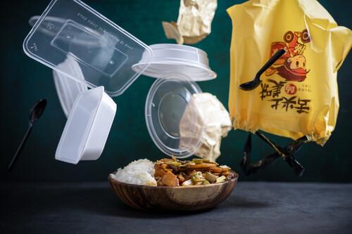 'What´s the Price?', reflexionando sobre el abuso de los envases de plástico en la comida a domicilio, por Iñaki Pierola