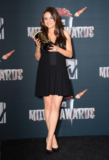 Mila Kunis Embarazada 2