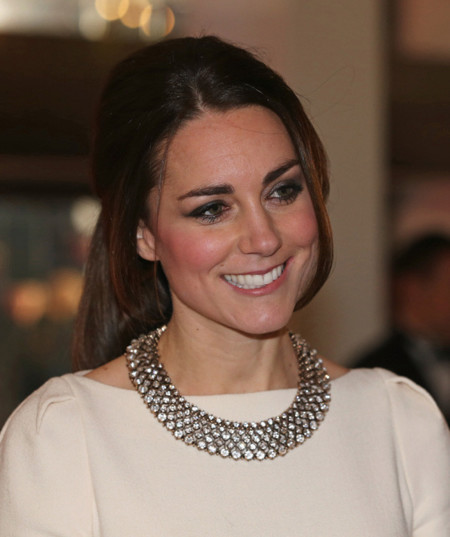 Kate Middleton collar cristales