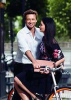 Simon Baker vuelve a prestar su irresistible encanto para Gentlemen Only Casual Chic de Givenchy