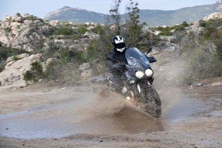Moto Guzzi Stelvio 1200 NTX, también se anuncia en televisión