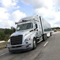 Mercedes-Benz aparca (de momento) los coches autónomos para centrarse en los camiones sin conductor