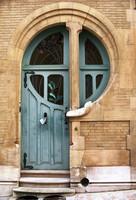 La belleza de una puerta Art Nouveau