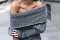 Duelo de jerséis: las prendas de abrigo dejan al descubierto los hombros