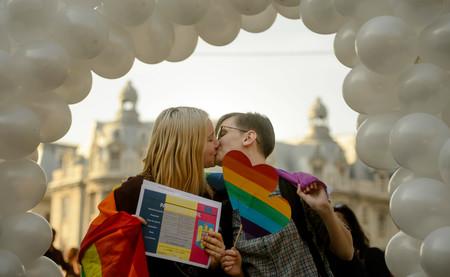 Rumanía convocó un referéndum para prohibir el matrimonio homosexual. Nadie fue a votar