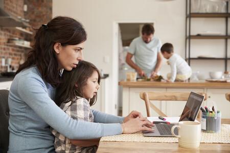 El 70% de los padres españoles ha sufrido estrés el último curso al intentar conciliar su trabajo con la educación de sus hijos