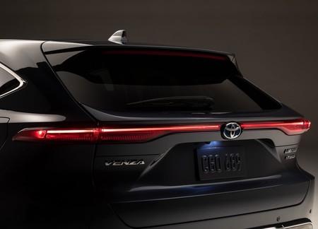 Toyota Venza 2021 1600