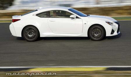 BMW M4 vs Lexus RC F Motorpasion 17 1000