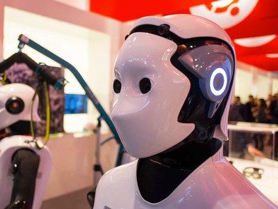 """""""La humanidad primero"""" como eslogan político: el mensaje del candidato Andrew Yang frente al de empleados de grandes tecnológicas"""
