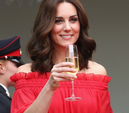 Kate Middleton luce su estilismo más sexy y boho chic hasta el momento en Berlín