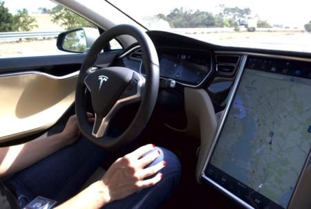 Tesla Autopilot 11