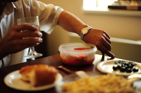 cómo dejar de comer antes de estar lleno