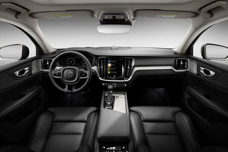 Volvo V60 Cross Country interior