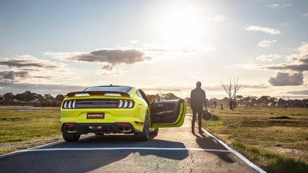 Ford Mustang R Spec 6