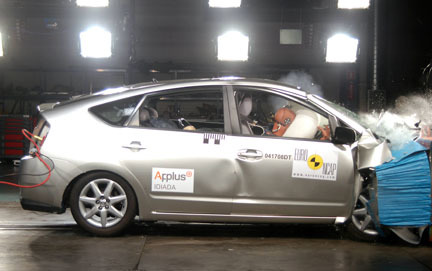 Toyota Prius - EuroNCAP frontal