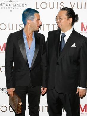 Marc Jacobs con el pelo azul
