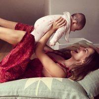 """""""La lactancia debería de ser un derecho como mínimo hasta los 6 meses"""": la vuelta al trabajo de Ariadne Artiles y su defensa de la lactancia materna"""