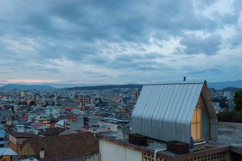 Casa Parásito, una mini casa de bajo presupuesto que podría ser de inspiración para quienes buscan algo sencillo y económico