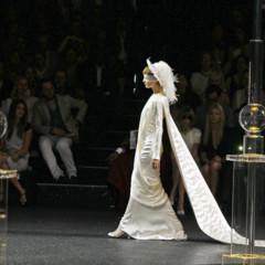 Foto 1 de 22 de la galería todas-las-imagenes-de-chanel-alta-costura-otono-invierno-20112012 en Trendencias