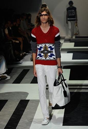 Gucci, Primavera-Verano 2010 en la Semana de la Moda de Milán III