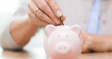 La hucha de las pensiones se agota, así quiere el Gobierno acabar con el déficit de la Seguridad Social