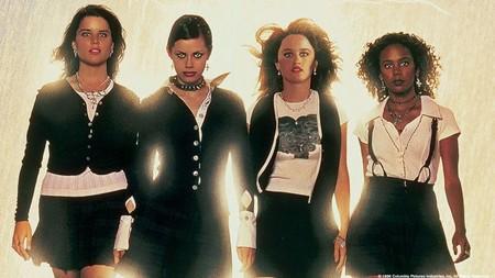 Zoe Lister-Jones dirigirá el remake de 'Jóvenes y brujas': Blumhouse encontró por fin una directora