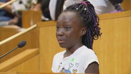 El desgarrador discurso de una niña de 9 años ante los últimos sucesos racistas en Charlotte