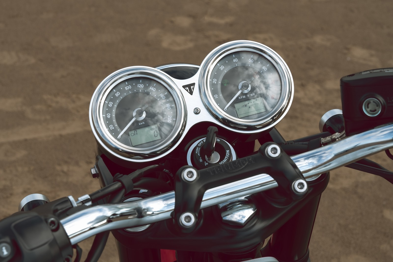 Foto de Triumph Bonneville T100 Bud Ekins 2020 (19/23)