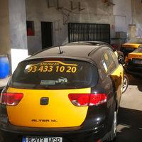 Peligra el acuerdo del taxi con la Generalitat en Barcelona, y dimite el cabeza visible de los taxistas