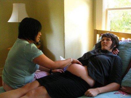 Encuesta: ¿Crees que la Seguridad Social debería cubrir los partos en casa?