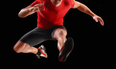 Ejercicios con saltos para quemar calorías y ganar fuerza muscular