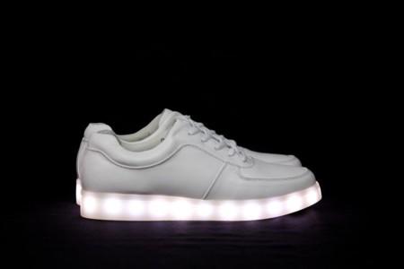 Qué tienen de especial las zapatillas con suela LED, la última tendencia que lo está petando