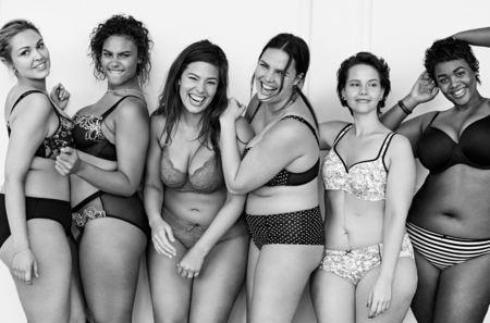 """Línea de lencería femenina lanza campaña """"anti delgadez"""""""