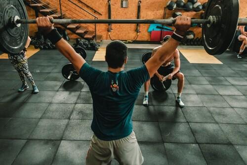 Las mejores ofertas de ropa deportiva en el Cyber Monday: Adidas, Nike y Converse más baratas