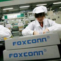 Foxconn, la empresa que fabrica los iPhone, se prepara para vender ahora autos eléctricos; ya presentó tres vehículos conceptuales