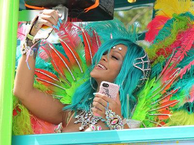 ¿Qué pasa cuando juntas Rihanna y Carnaval en el mismo cóctel y lo agitas? Reina Sirena, allá vamos