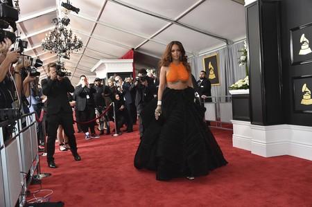 Era de esperar: Rihanna no deja indiferente a nadie con su look para los Grammy 2017